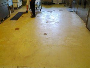"""Bodenfläche einer Bäckerei vor der Bodenbeschichtung mit dem Bodensystem der """"S"""" Gebäudeinstandhaltung UG"""